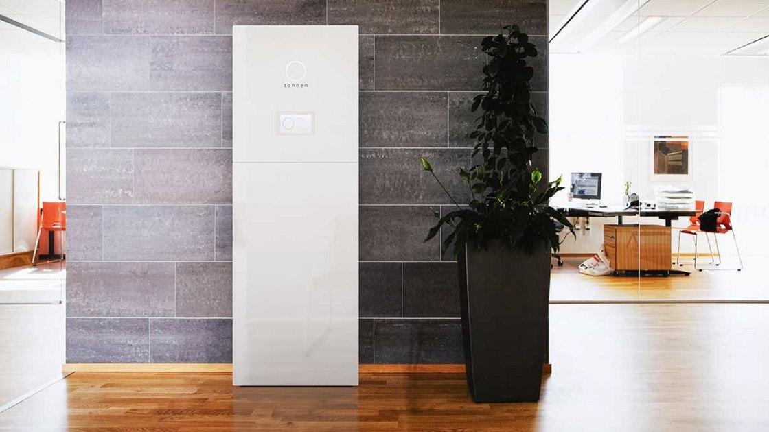 sonnenbatterie-eco8-10-interior_0