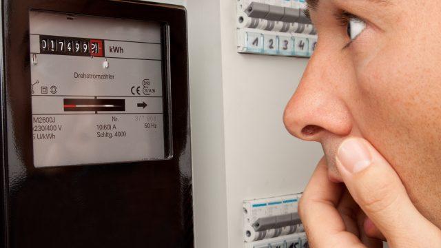 ridurre costo energia elettrica